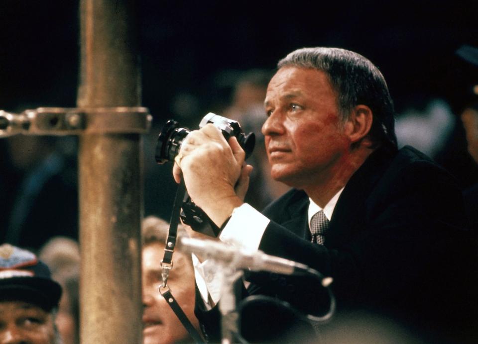 Frank Sinatra at Ali - Frazier Fight