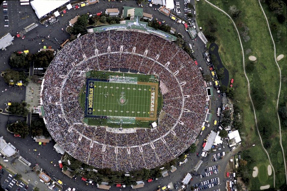 Aerial of the Rose Bowl - Texas vs Michigan