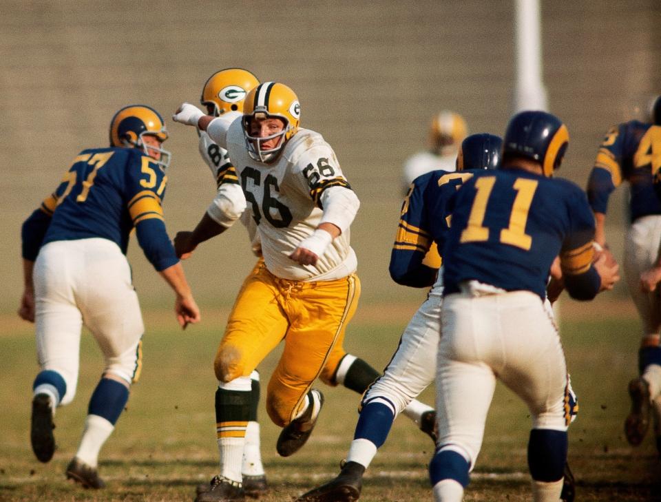 Ray Nitschke Charging vs LA Rams