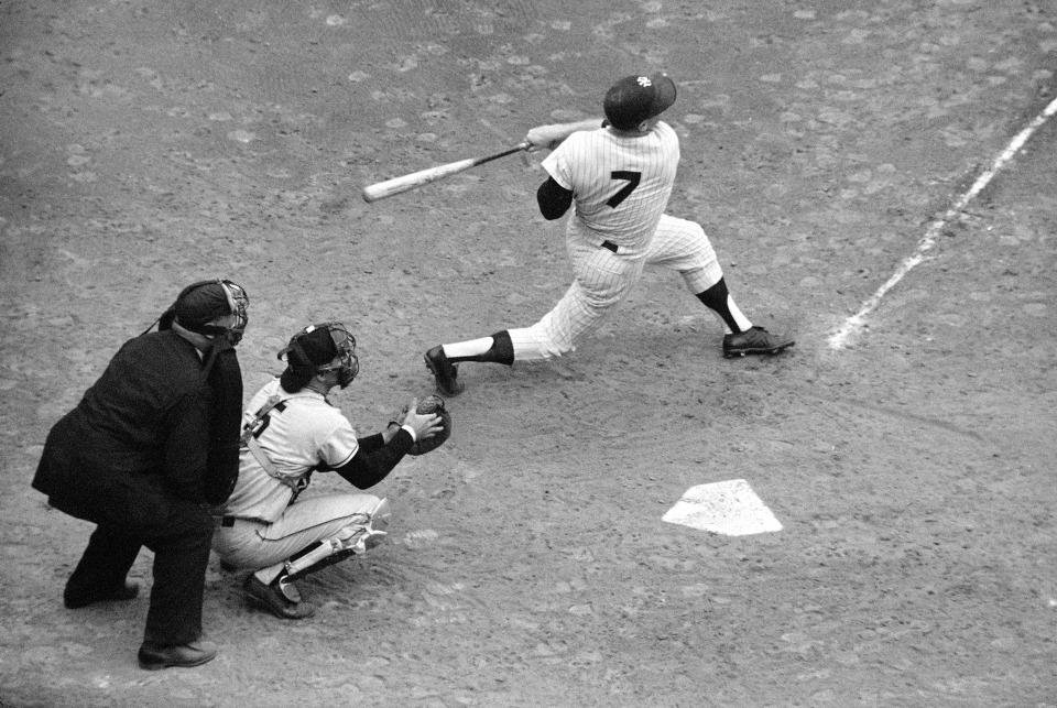 1962 World Series, Mickey Mantle Hitting Overhead