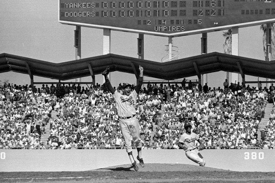 Sandy Koufax (Jumping/Celebrating)