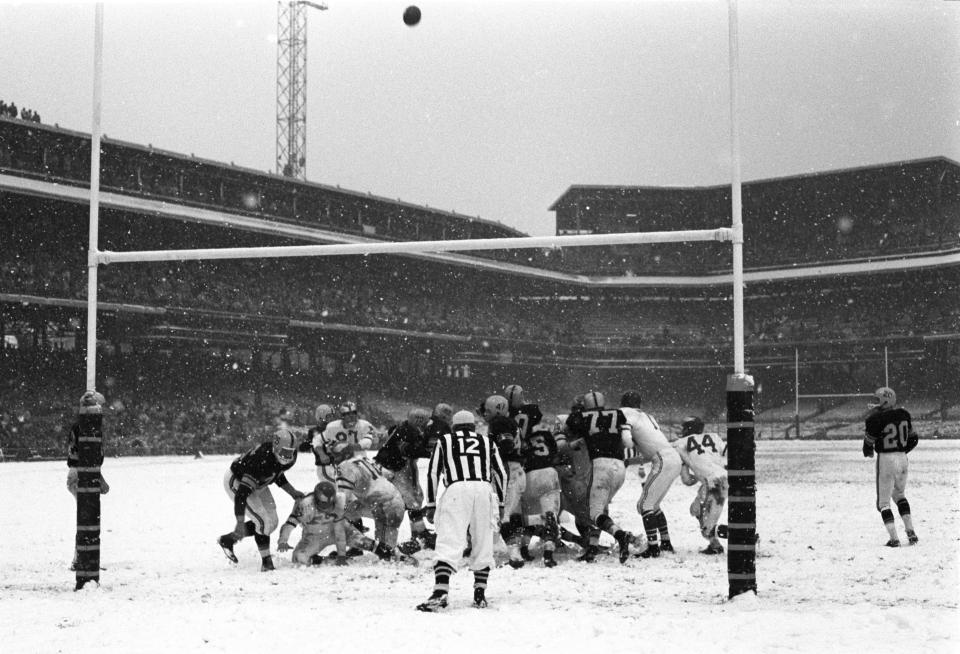 Eagles vs Steelers Field Goalin Snow
