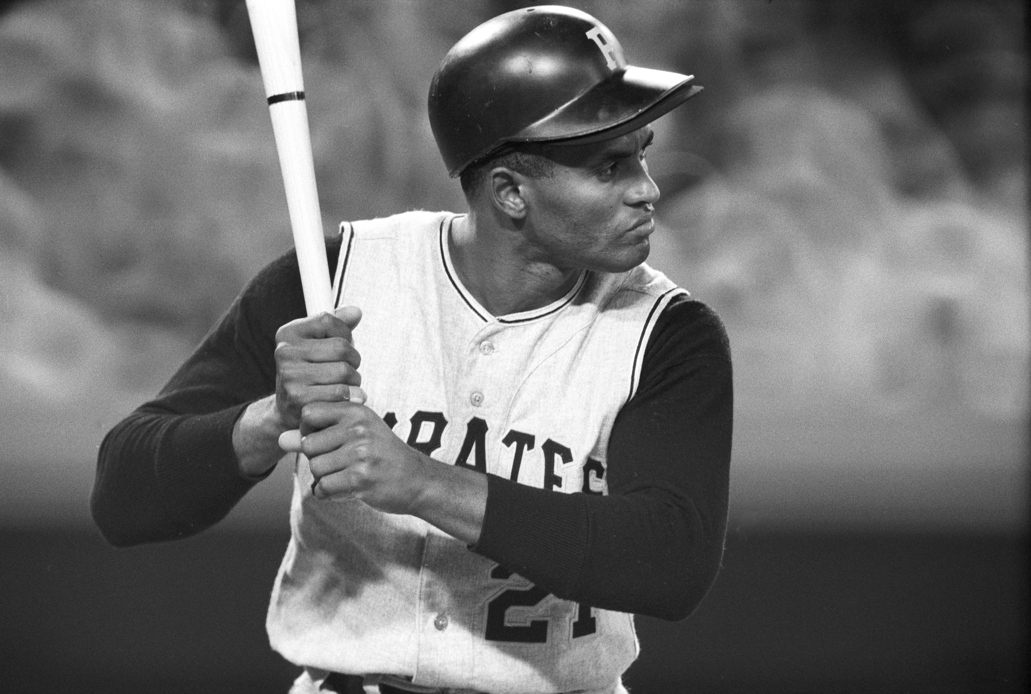 watch d0d3d 2c61b Black and Gold: Roberto Clemente: The day the game died