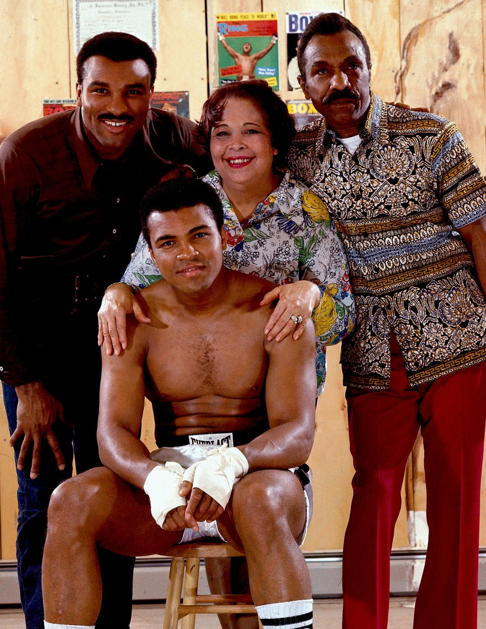 ali with his family neil leifer