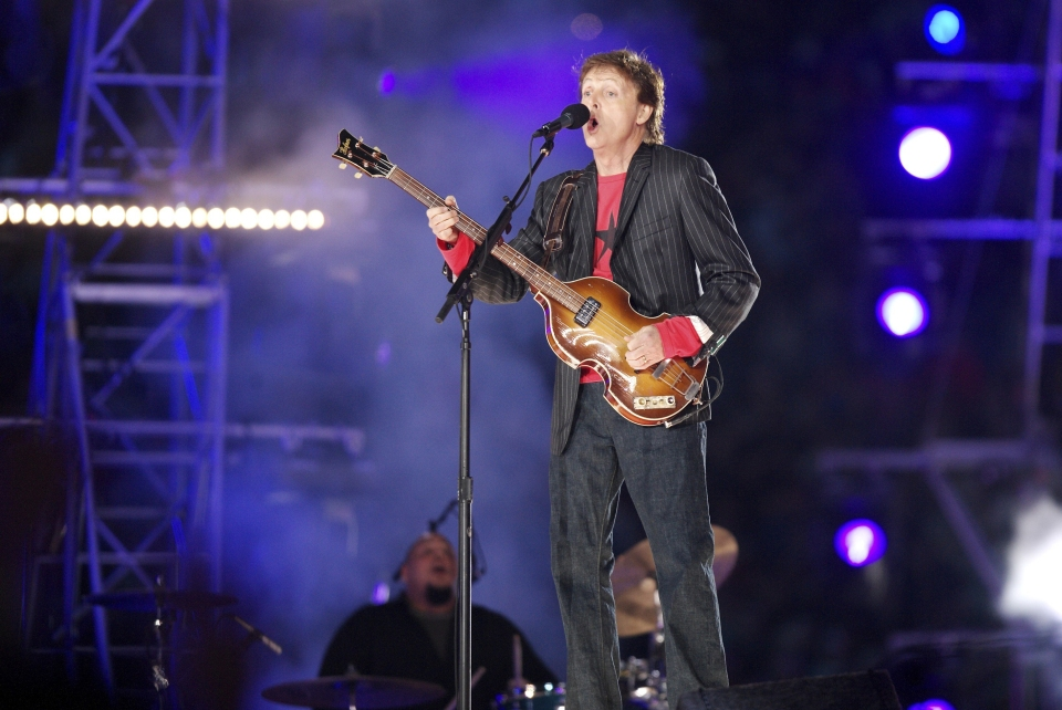 Paul McCartney at Halftime